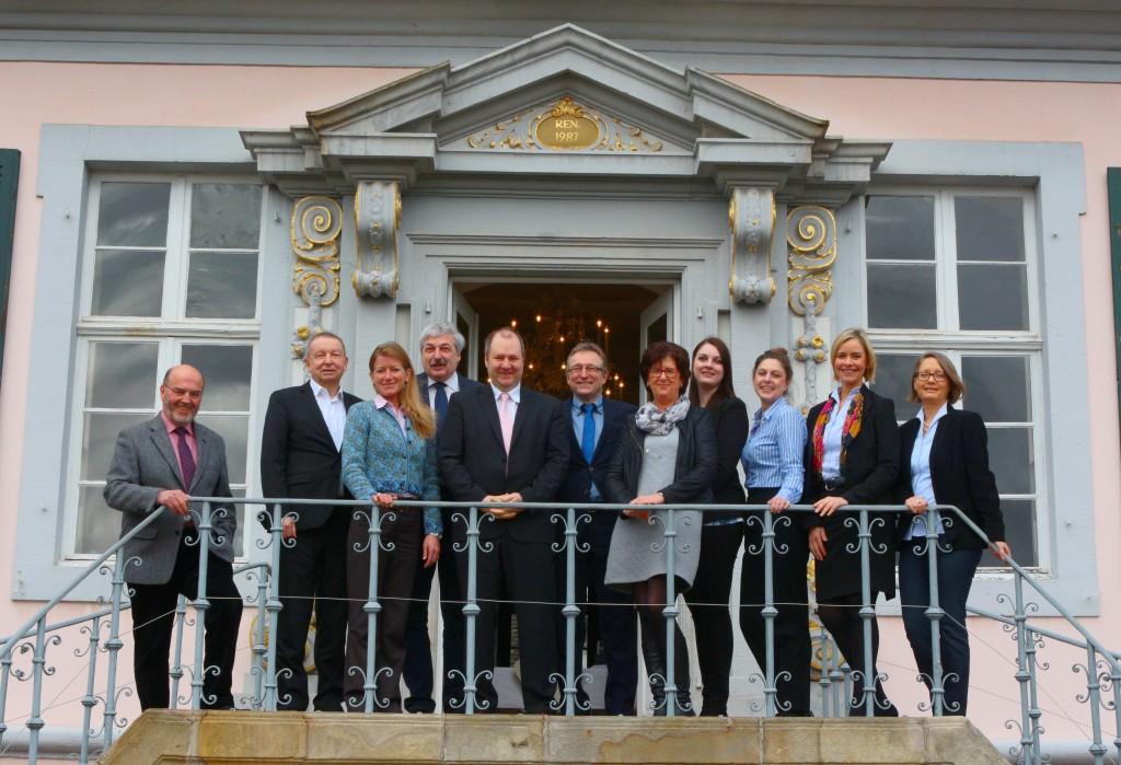 """""""Die Vertreter der Sieben Schlösser stellten heute auf Schloss Pyrmont Ihr Programm für 2017 vor"""" Foto: Andreas Leber"""