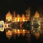 Schloss Hämelschenburg - Blick über den Teich bei Nacht